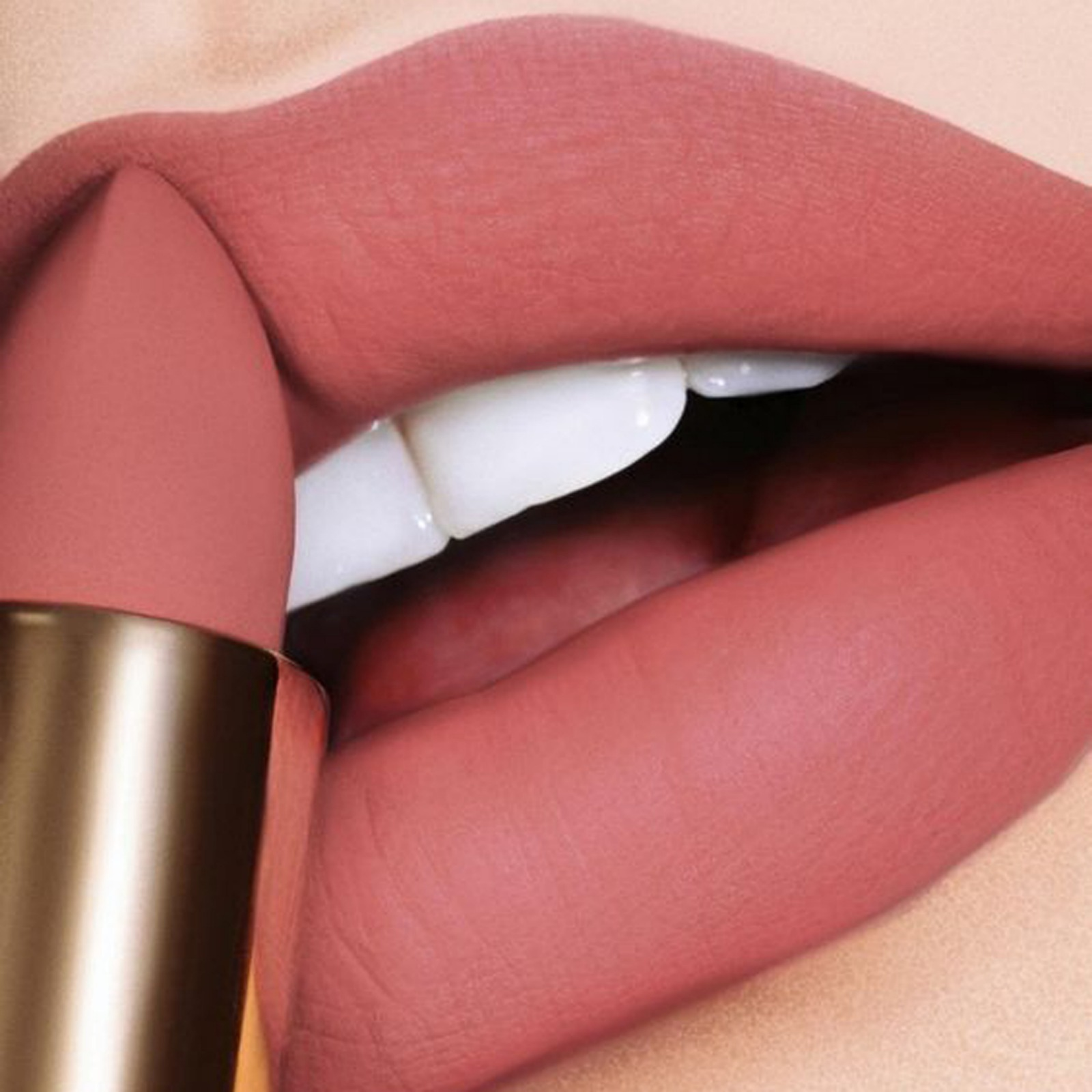 How to Make Thin Lips Look Full and Lush