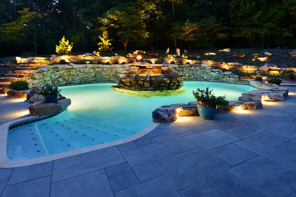 Some Useful Tips in Swimming Pool Landscaping