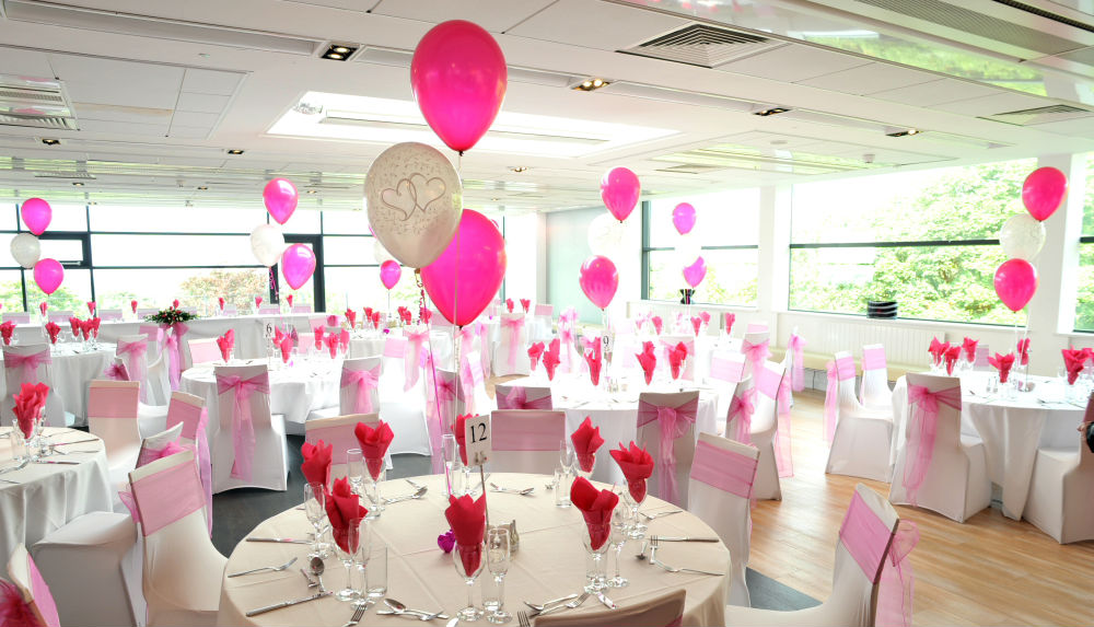 Inexpensive Decoration Ideas For A Wedding Party With Balloons
